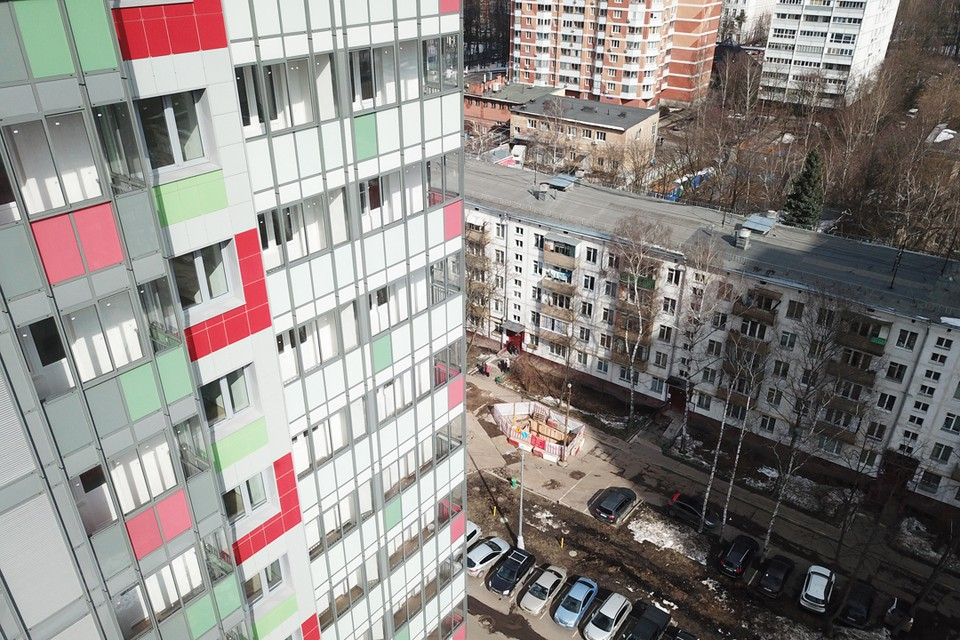 Дом. построенный в Москве по программе реновации.