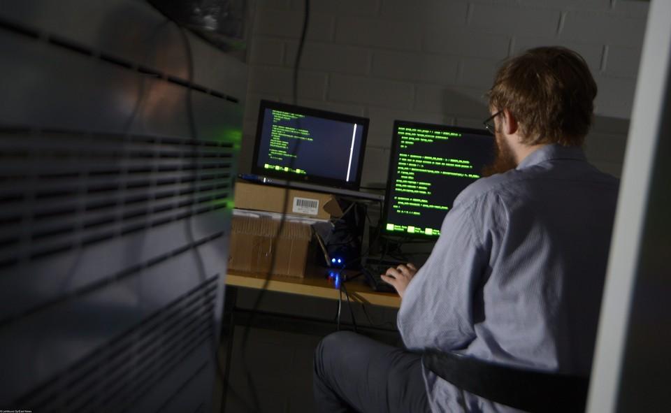 Нельзя одной рукой развивать IT-индустрию, а второй блокировать интернет.