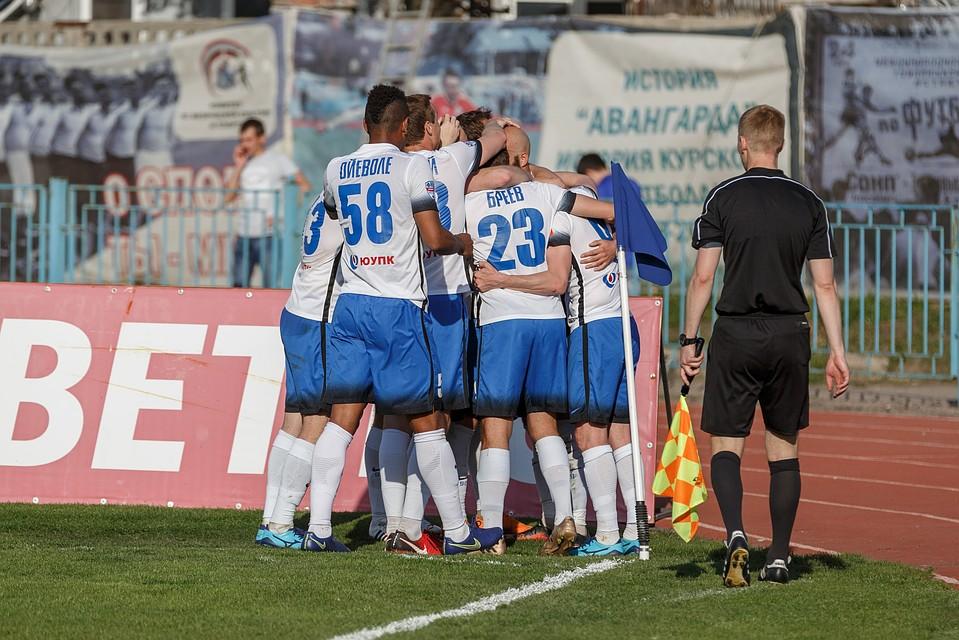 фнл какая 2018 команд в выйдет лигу футбола прогнозы 15год специалистов премьер из
