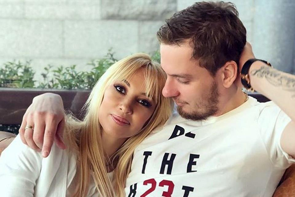 Лера Кудрявцева и хоккеист Игорь Макаров в браке уже пять лет