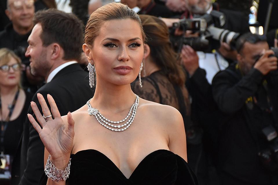 Телеведущая Виктория Боня на дорожке Каннского кинофестиваля.