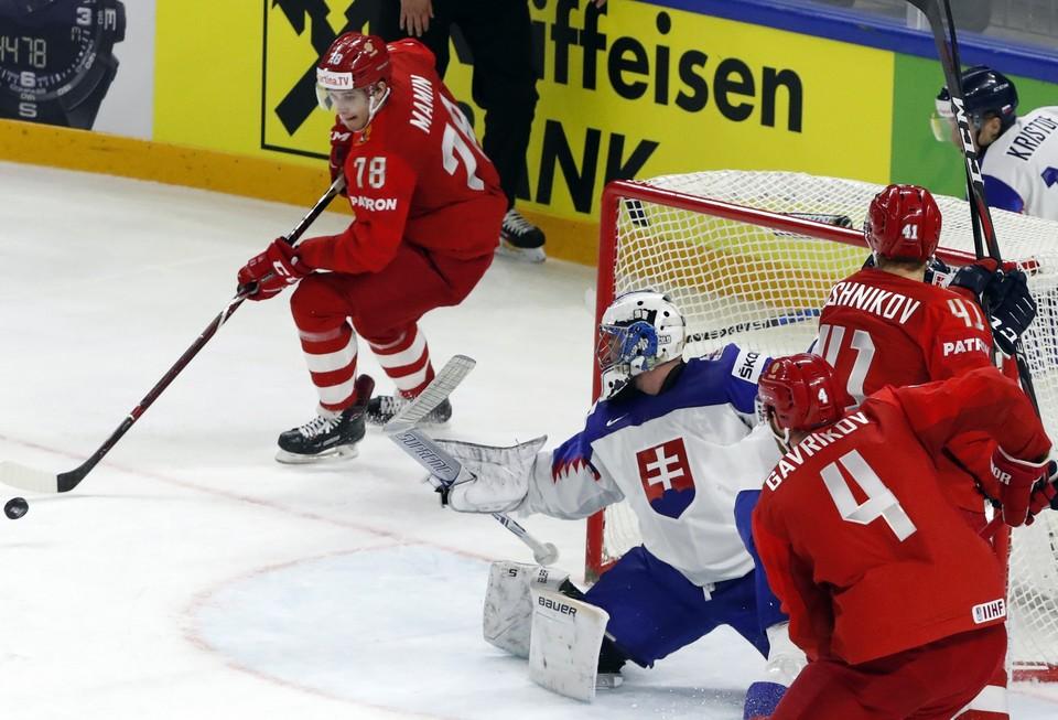 Россия сыграла в предпоследней игре группового турнира со Словакией.