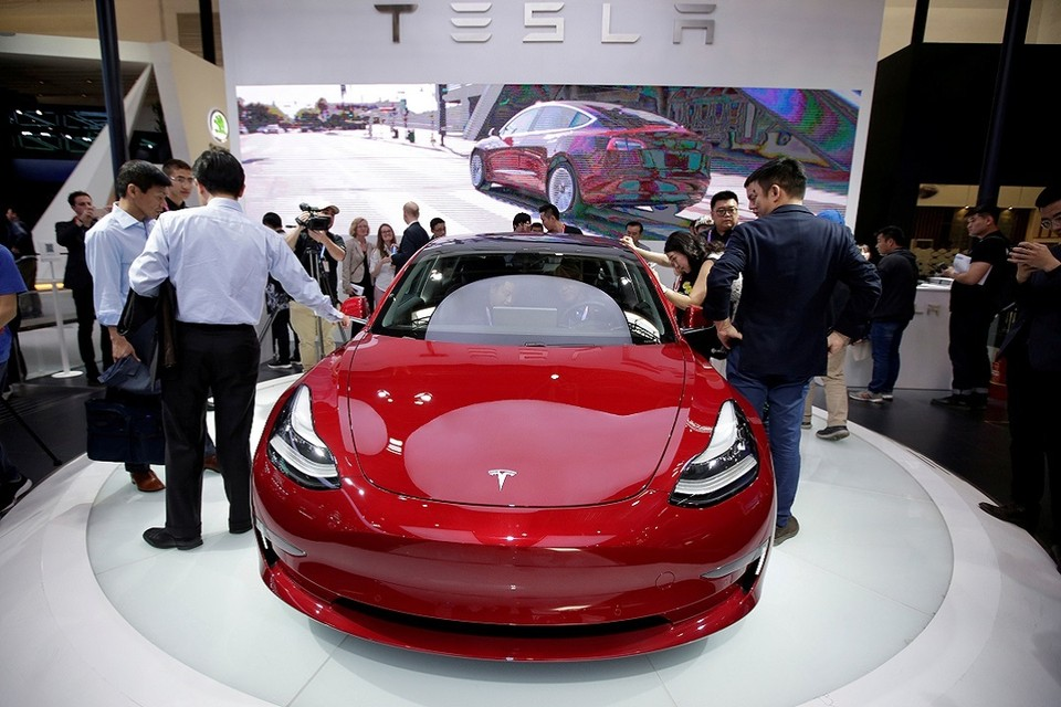 В американском штате Юта электромобиль Tesla попал в аврию