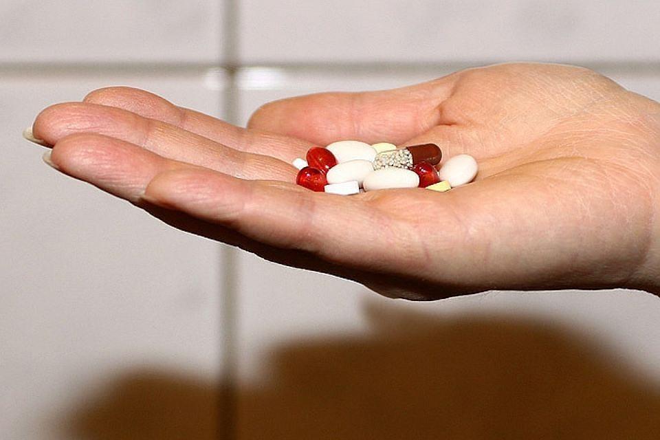 Канадские ученые: витаминные добавки совершенно бесполезны