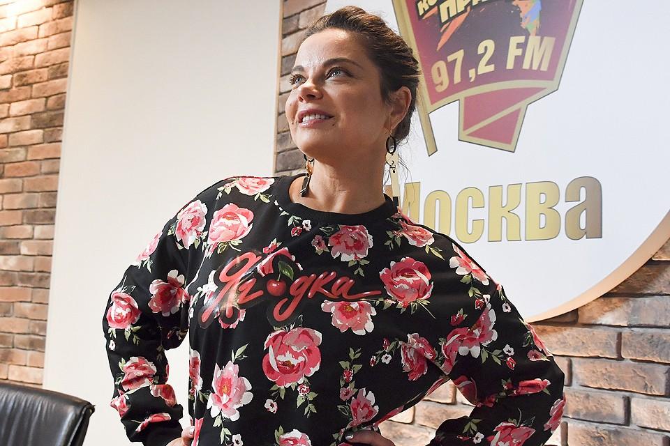 """В канун юбилея Наташа Королева стала гостьей радиостанции """"Комсомольская правда""""."""