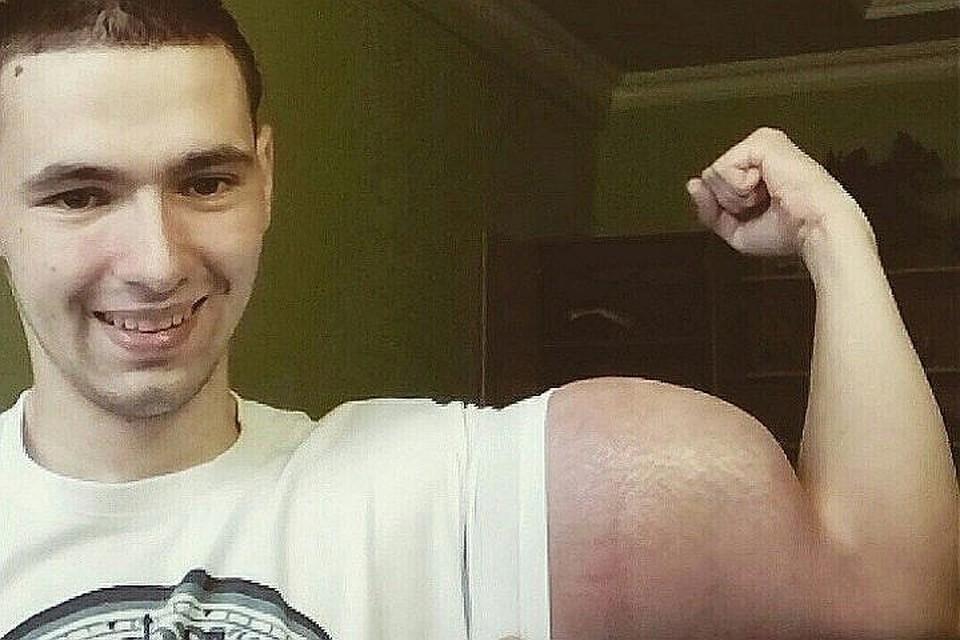"""""""Синтольщик"""" продолжает танцевать. Фото: vk.com/slacker26rus"""