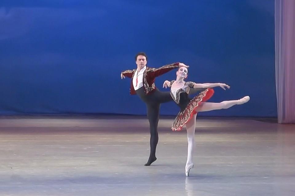 В Донбасс Опере прошёл творческий вечер золотого балетного дуэта Ирины Комаренко и Максима Вальчика. «Комсомолка» не могла пропустить это событие. ФОТО: рекламный отдел Донбасс Оперы