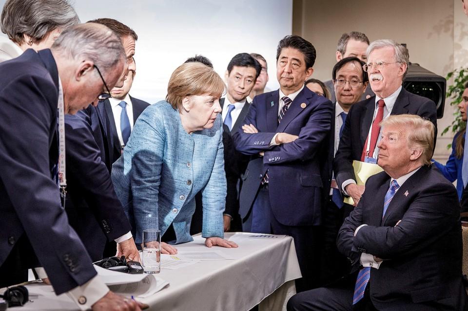 """Та самая фотография с последнего саммита """"Большой семерки"""""""