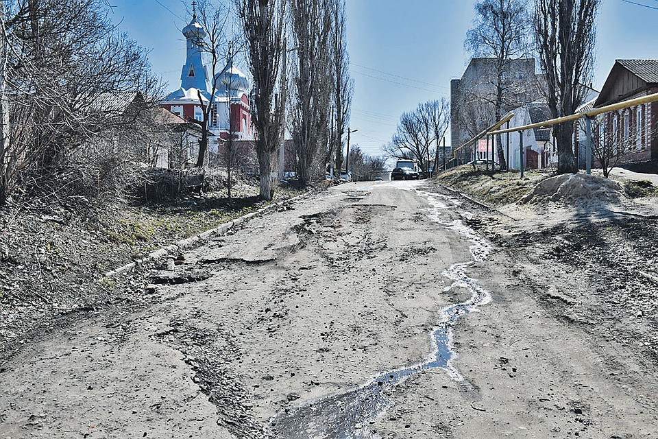 Дороги в Балашове «лучшие в России», как и во всей Саратовской области. Пусть только на бумаге. Но награды за них дают настоящие.