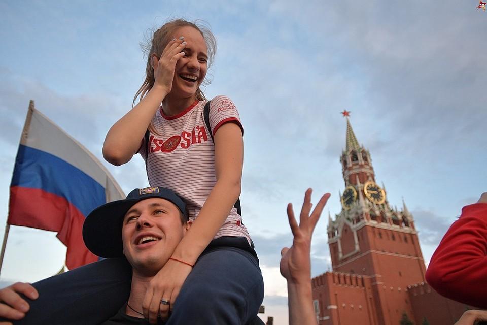 Выход российской сборной в четвертьфинал Чемпионата Мира отмечала вся страна.
