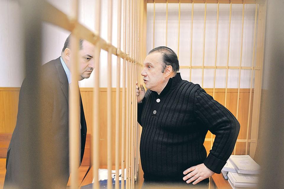 В 2013 году московский суд приговорил Батурина к семи годам лишения свободы за мошенничество в особо крупном размере.