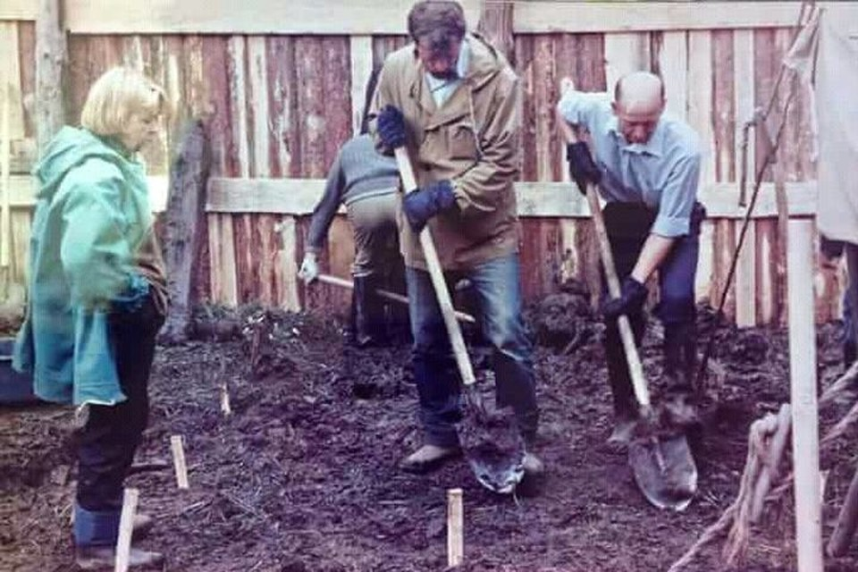 Лишь в 1991 году были организованы официальные раскопки на месте захоронения Романовых. Фото: Мемориал Романовых
