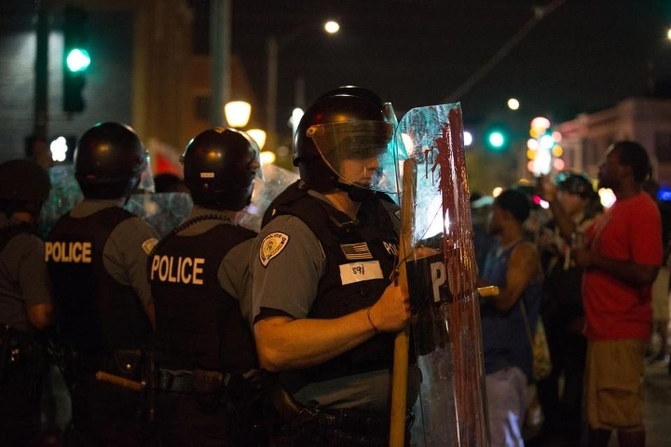 В Чикаго прошли протесты после убийства полицейскими мужчины