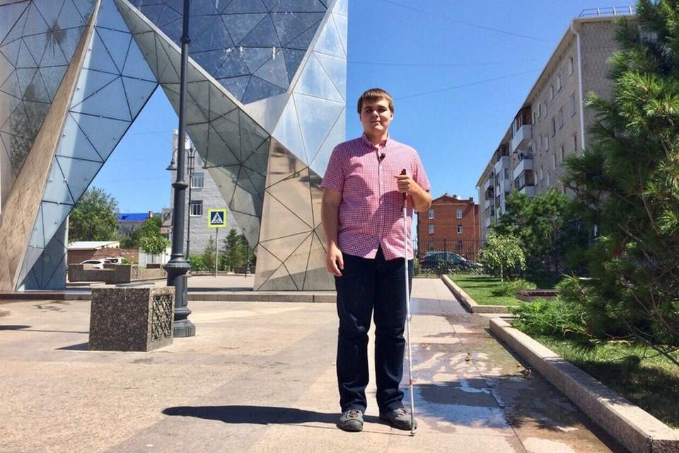 Владимир Васкевич путешествует уже семь лет. Он посетил 20 стран и решил покорить Россию.
