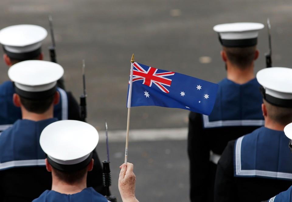 Флаг Австралии отличается о новозеландского лишь цветом и количеством звезд