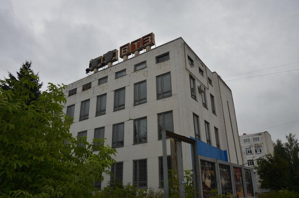 Один из корпусов завода советского времени