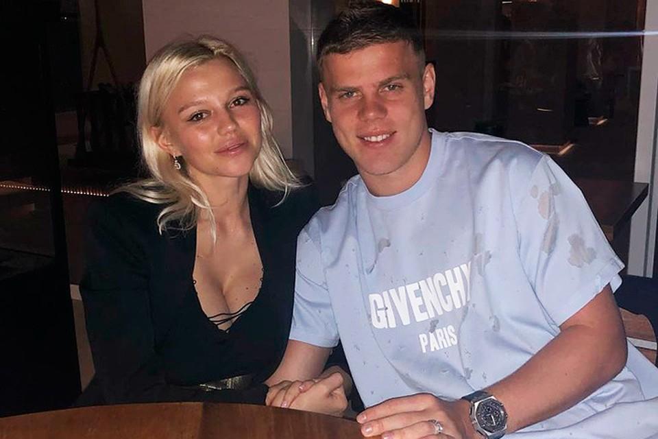 Александр Кокорин с супругой Дарьей Валитовой.