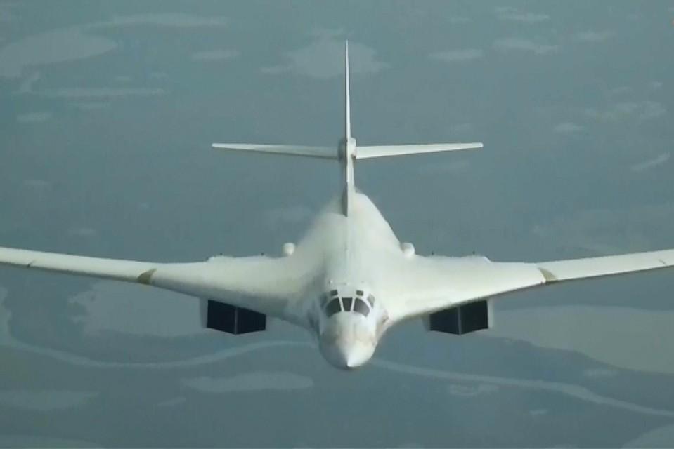 13:38Российские ракетоносцы Ту-160 пролетели через Северный полюс