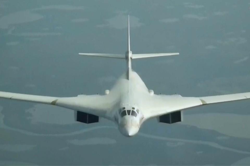 Два стратегических ракетоносца совершили перелет из Саратовской области на Чукотку