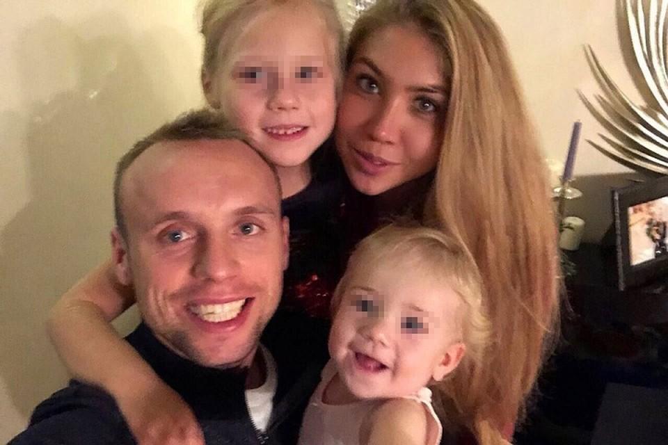 Дарья Глушакова с супругом Денисом и дочками. ФОТО Личный архив