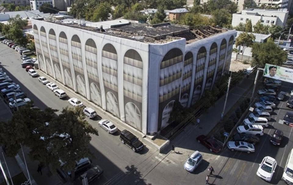 Спустя восемь лет городские власти, наконец, решили, что должно появиться на месте сожженного здания Генпрокуратуры.