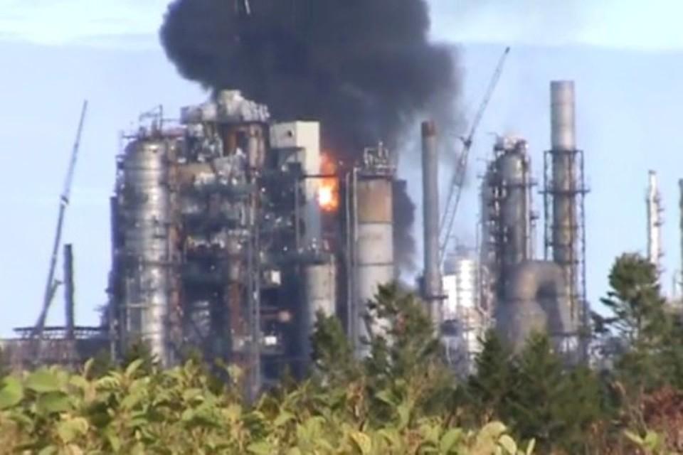 Взрыв на крупнейшем в Канаде нефтеперерабатывающем заводе