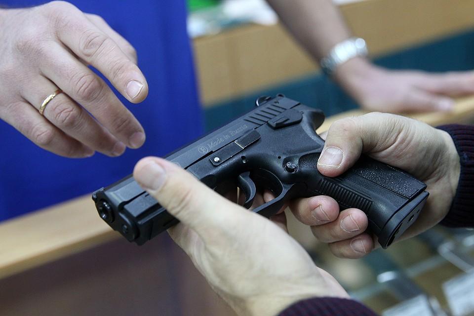 Происшествие в Керчи вновь заставило обсудить проблематику оборота оружия в РФ. ФОТО Егор Алеев/ТАСС