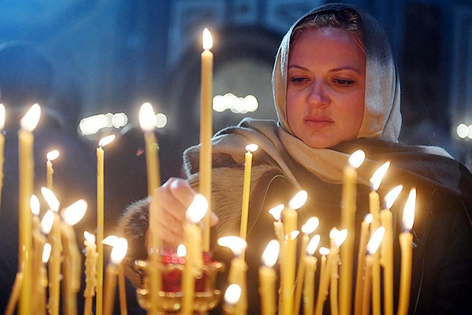 Посещение храмов и монастырей без участия в церковных таинствах и богослужениях, осуществляемых клириками этой церкви, допустимо