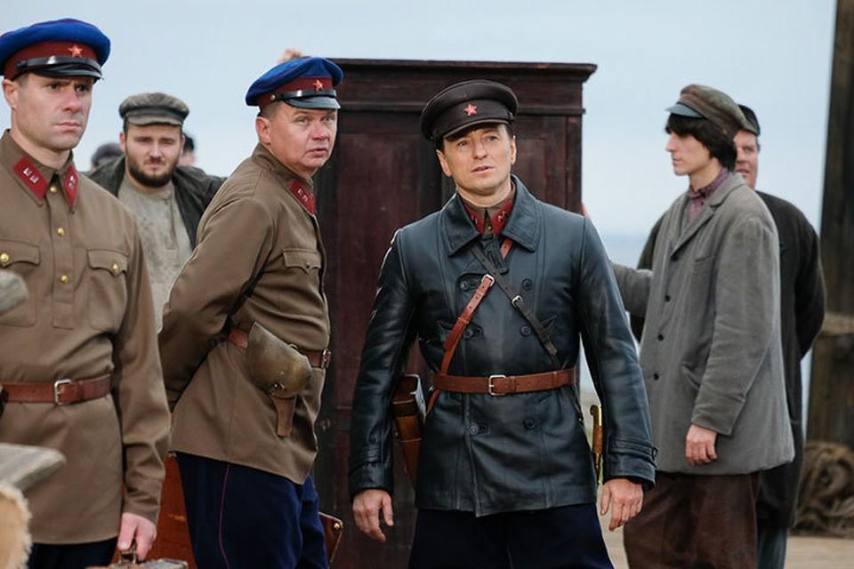 Сергей Безруков играет в «Обители» начальника лагеря.