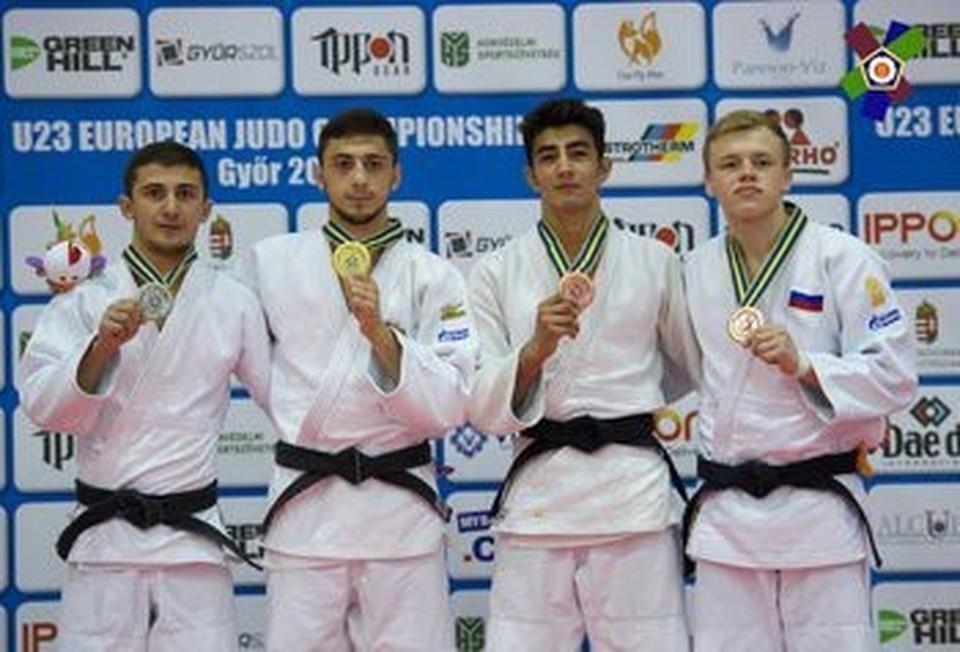 На снимке Иван Долгих крайний справа. Фото: екатеринбург.рф