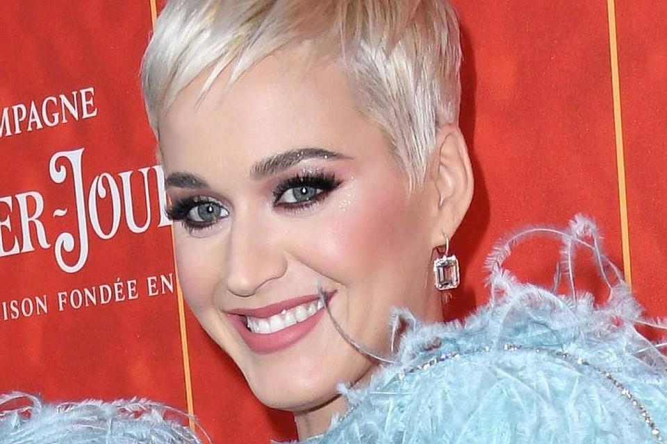По версии журнала Forbes, самой высокооплачиваемой певицей 2018 года стала американская поп-исполнительница Кэти Перри