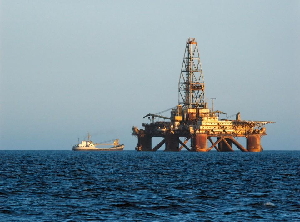 Нефть заметно дешевеет
