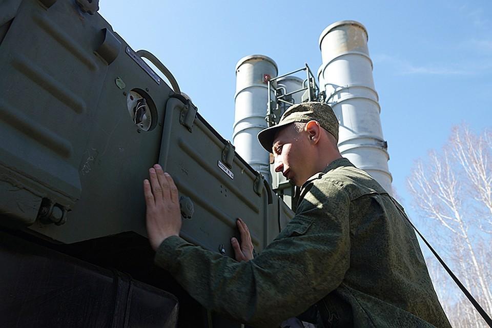 Военные показали видео развертывания С-300ПМ «Фаворит»