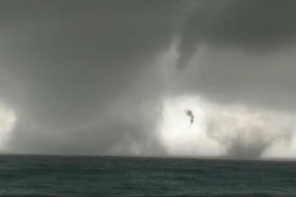 В Италии на видео сняли двойной торнадо