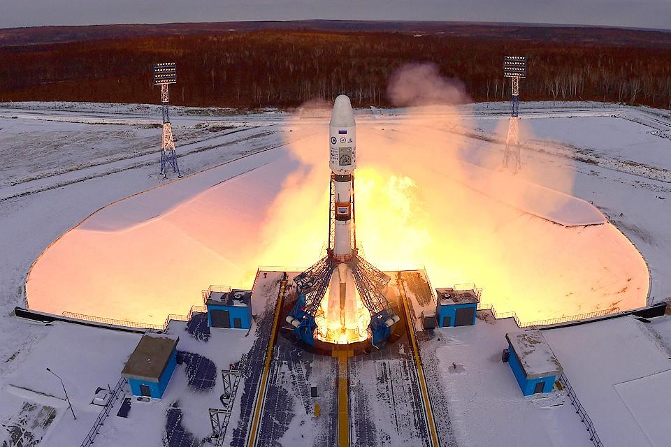 """Ракета-носитель """"Союз-2.1б"""" во время запуска со стартового комплекса космодрома Восточный. ФОТО Юрий Смитюк/ТАСС"""