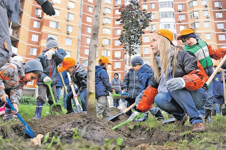 Экологические акции в столице собирают все больше сторонников всех возрастов.