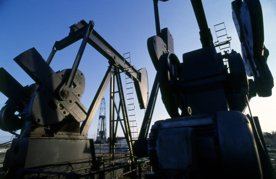 ОПЕК ограничит добычу нефти