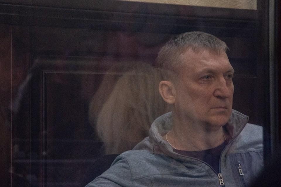 84016de3e8e8 Жена экс-главы кузбасского Следкома отказалась давать показания в суде