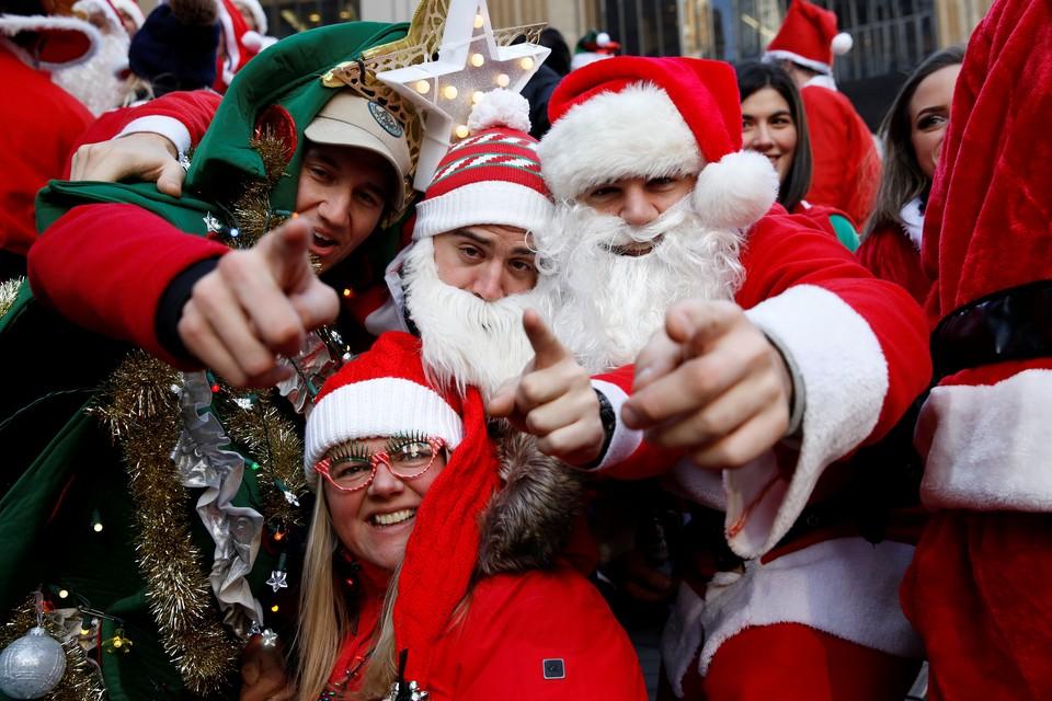 Каждый пятый мужчина в России предпочитает не дарить подарки на Новый год.