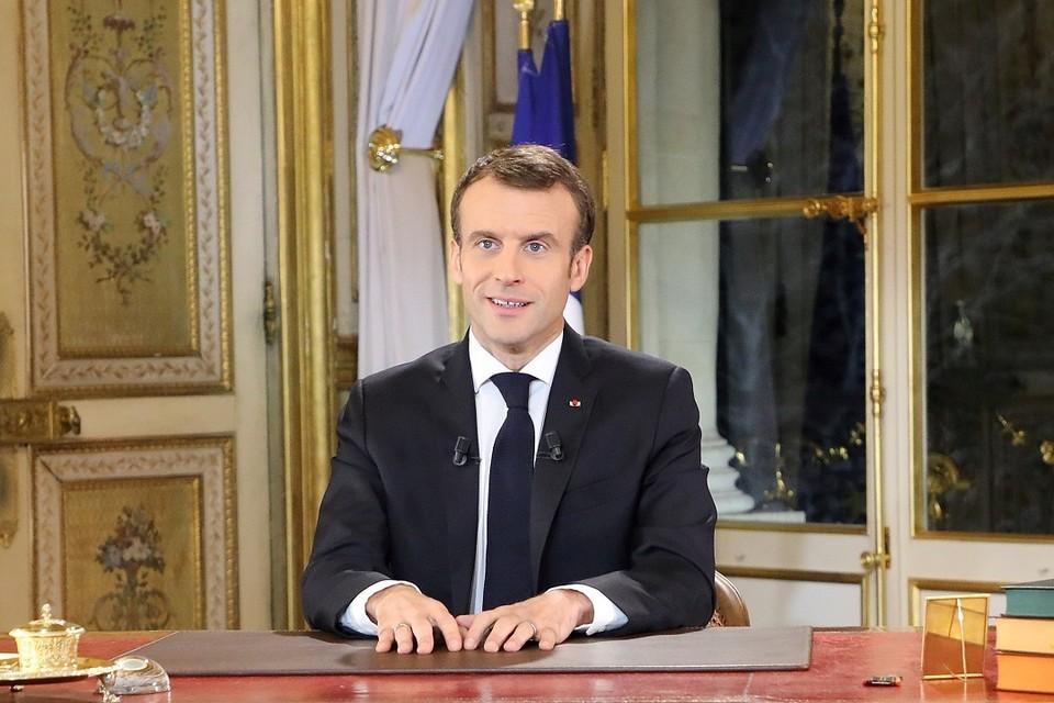 Французский президент Эммануэль Макрон обратился с телеобращением к нации