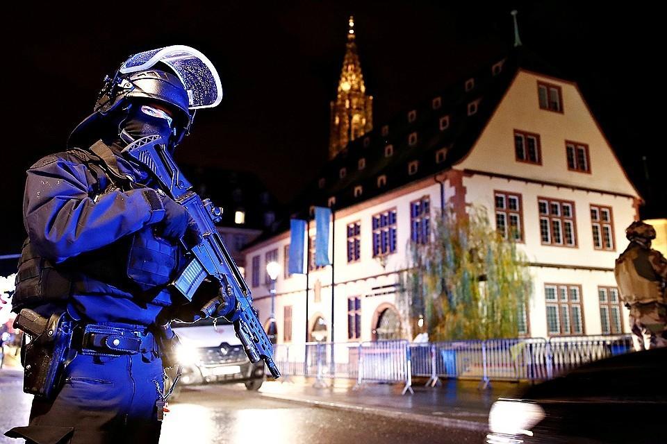 Полиция официально сообщает о трех погибших и 13 раненых в результате стрельбы в Страсбурге. Фото: Reuters