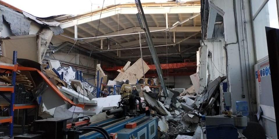 Появились первые фото с места обрушения в Дзержинском.