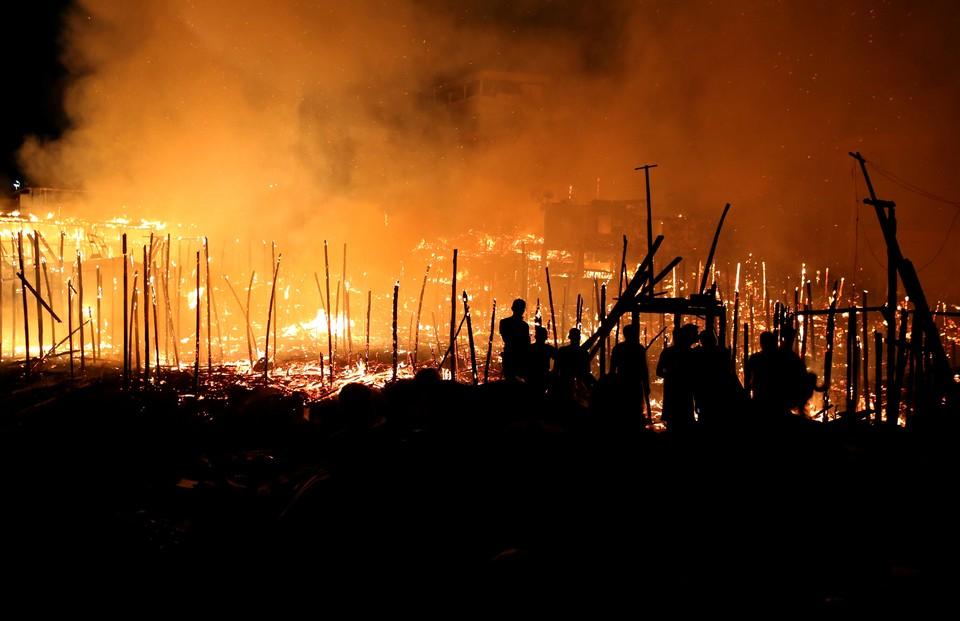 Крупный пожар в бразильском Манаусе