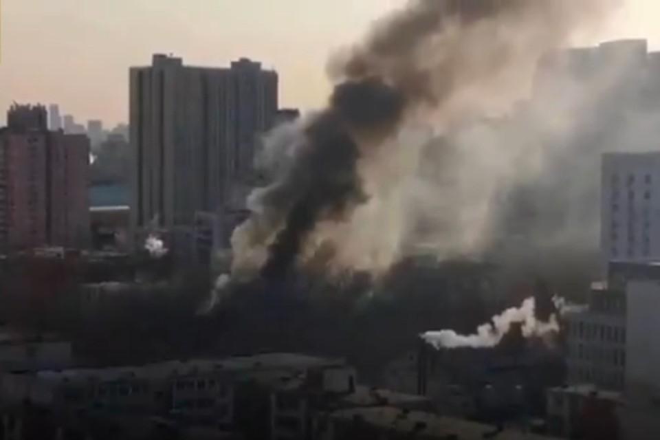 Пожар в здании лаборатории удалось взять под контроль