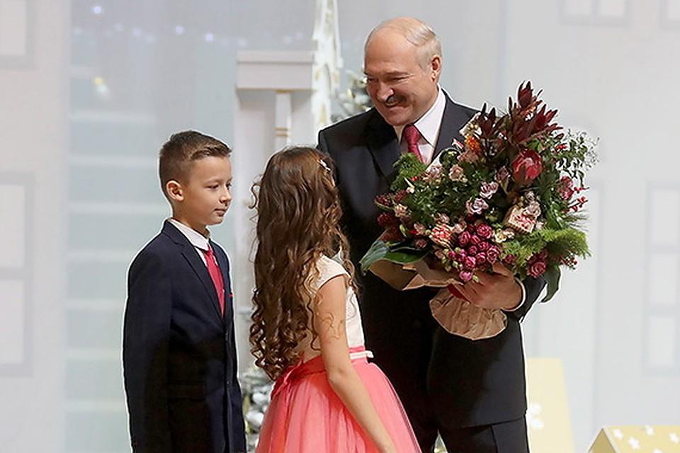 52bdecb886e2 Александр Лукашенко поздравил детей с Новым годом