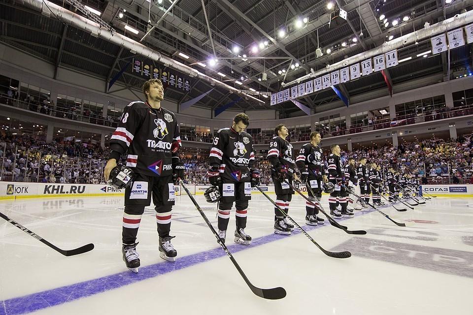 Челябинские команды ближайшие матчи будут играть в траурных повязках.