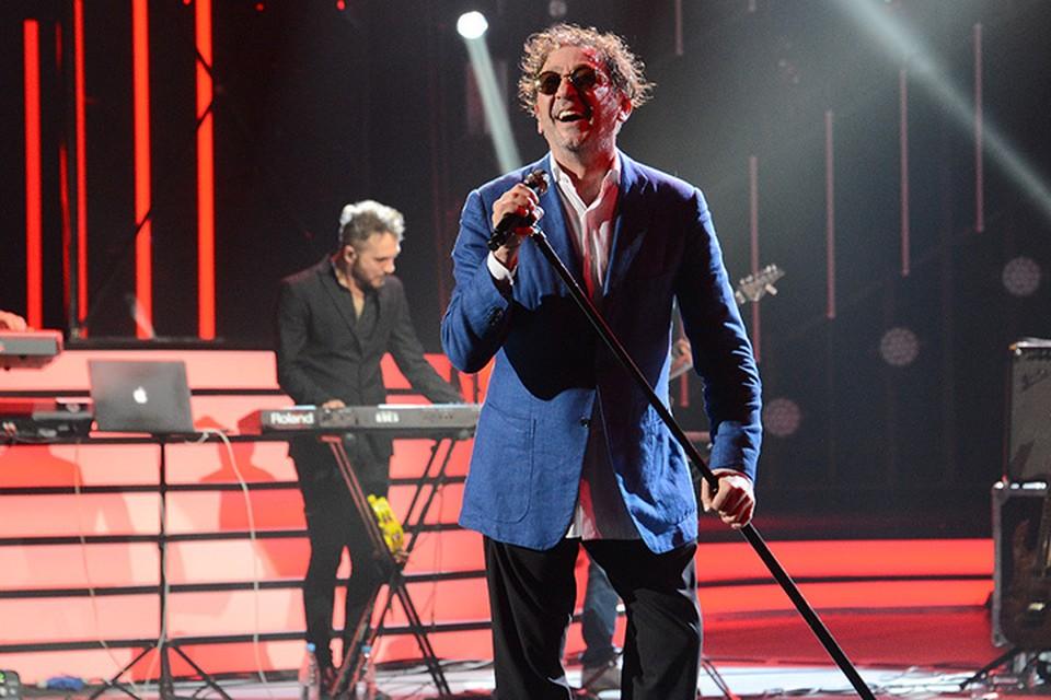 Григорий Лепс, несмотря на простуду, отработал полноценный концерт, спев и свои главные хиты, и новые песни