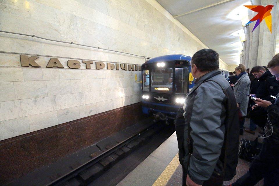 Со стен станций минского метро уберут рекламу
