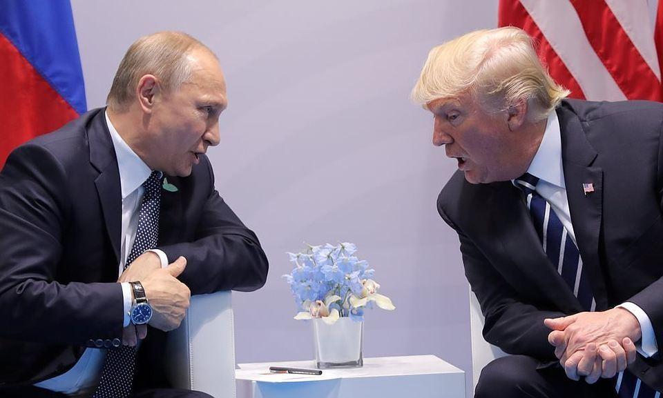 Президент РФ Владимир Путин и президент США Дональд Трамп на саммите G20