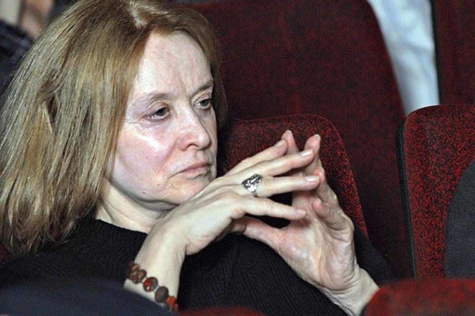 Вот уже долгое время актриса, у которой диагностировали болезнь Альцгеймера, борется с тяжелым недугом. Фото ТАСС/ Антон Тушин